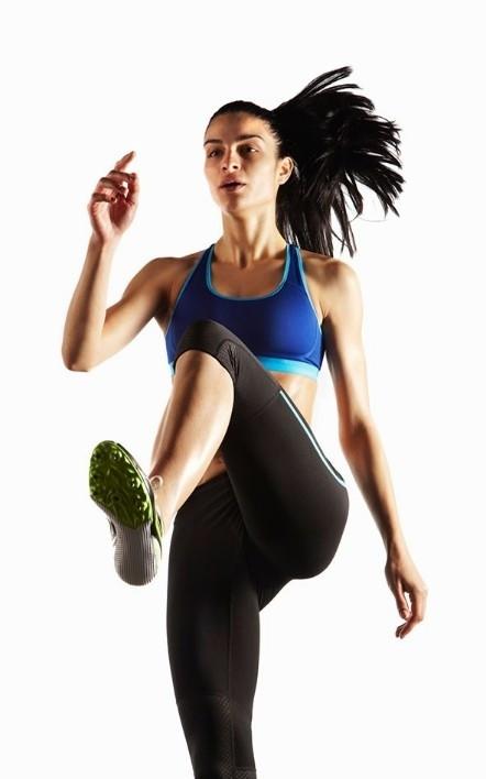 原地跑步是可以减肥的,但只有运动时间持续大约四十分钟以上,人体内