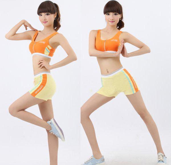 """健美操运动在美国、英国、法国等地方迅速发展,而且在一些发展中的国家和地区也得到不同程度的开展。前苏联早已把健美操列入大、中、小学的体育教学大纲。在亚洲地区,日本、菲律宾、新加坡等国家也建有许多健美操活动中心及健身俱乐部,人们都开始将健美操作为自己的主要健身方式,由此形成了世界范围内的""""健美操热""""。   1、侧卧压腿   动作:右手及前臂支撑身体,右侧卧。左脚放在右腿前的地上。   抬右腿15次。换一边再做。全过程时间:30秒。   效果:改善大腿内的轮廓。   2、上身运动"""