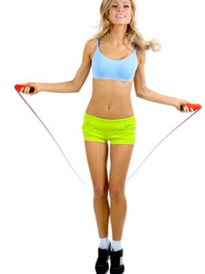 跳绳减肥拉伸动作 有效防小腿变粗